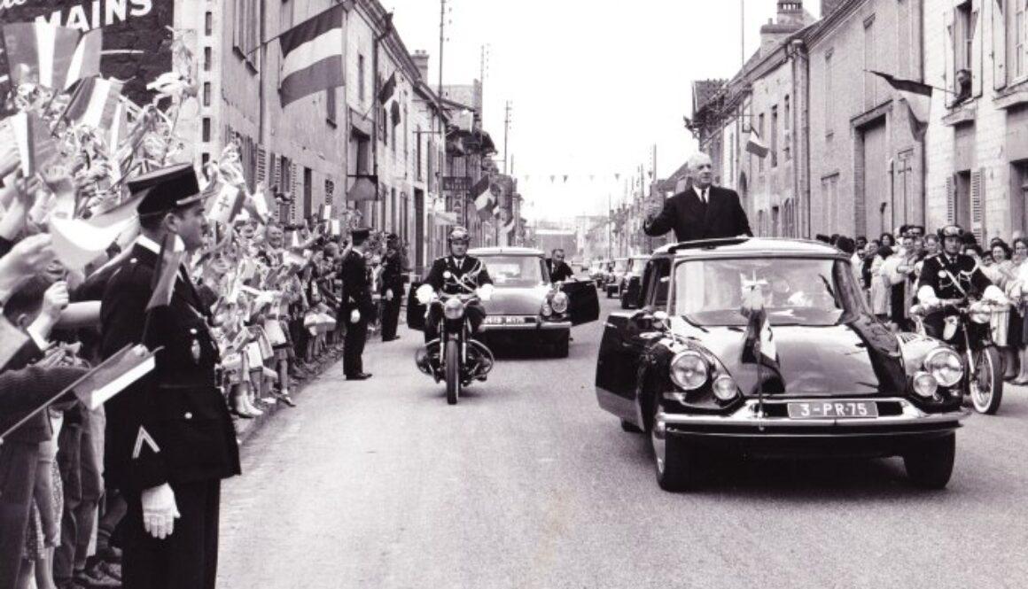General_charles_de_gaulle_visite_isles_sur_suippe_1963